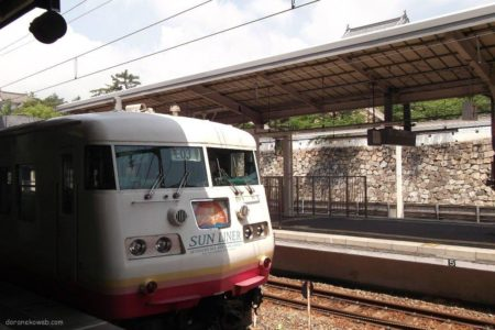 サンライナーは、JR西日本が岡山駅 – 福山駅間を運行している快速列車。