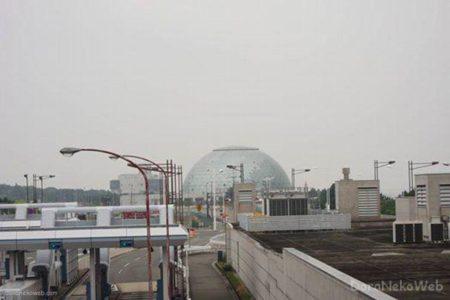 コスモスクエア駅は、大阪府大阪市住之江区南港北一丁目にある大阪メトロの駅。