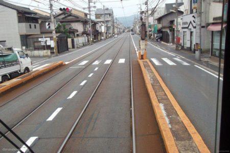 山ノ内駅は、京都府京都市右京区山ノ内宮前町にある京福電気鉄道嵐山本線の駅。
