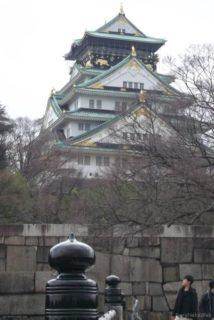 大阪城は、安土桃山時代に築かれ、江戸時代に修築された城。