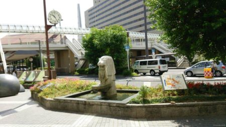守口市駅は、大阪府守口市河原町1番1号にある、京阪電気鉄道京阪本線の駅。