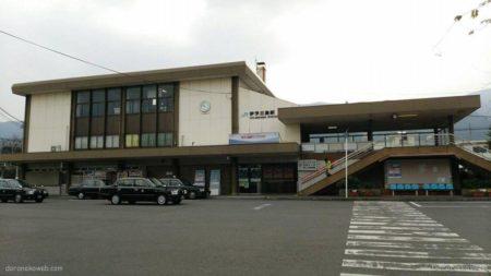 伊予三島駅は、愛媛県四国中央市三島中央三丁目にある、JR四国の駅。