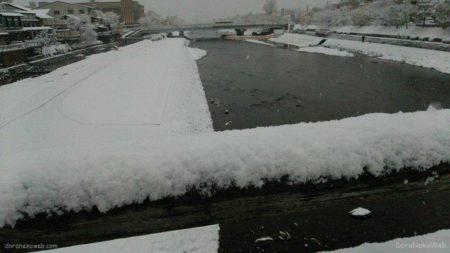大雪の三条大橋なう