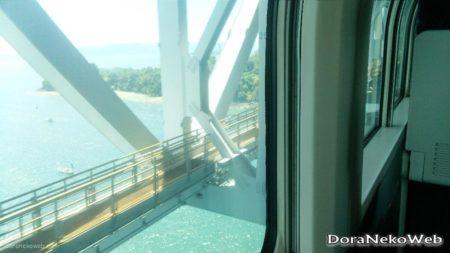 瀬戸大橋線は、瀬戸大橋を通り、岡山駅と高松駅とを結ぶ鉄道路線の愛称。