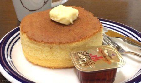 喫茶店でホットケーキを食するのが朝食のマイブームなので。