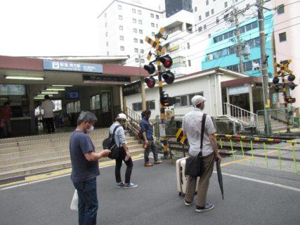 南方駅は、大阪府大阪市淀川区西中島一丁目にある、阪急電鉄の駅。