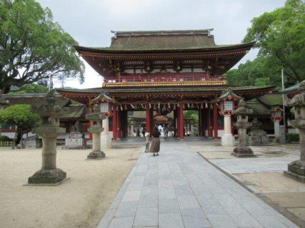 太宰府天満宮は、京都の北野天満宮とともに全国天満宮の総本社。