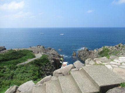 東尋坊は、福井県坂井市三国町にある、越前加賀海岸国定公園特別保護地区。