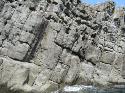 東尋坊観光遊覧船は名勝東尋坊や雄島の越前加賀海岸国定公園を周遊。