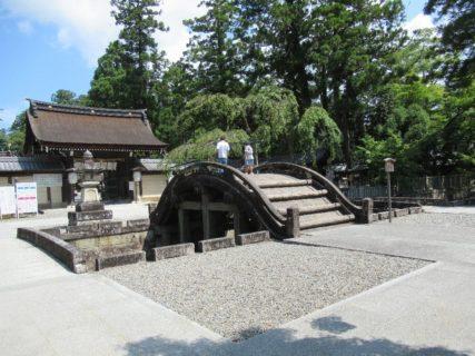 多賀大社は、滋賀県犬上郡多賀町多賀にある神社。