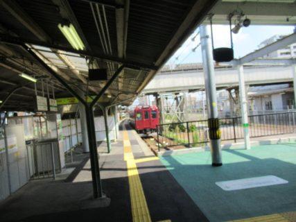 養老線は、三重県の桑名駅から岐阜県の揖斐駅を結ぶ養老鉄道の路線。