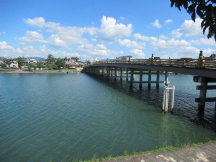 日本三大橋のひとつ、瀬田の唐橋でございます。