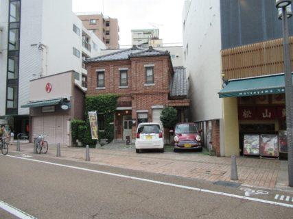 大街道から、松山ロープウェイ商店街なる道へ。