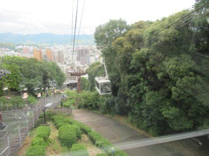 松山城ロープウェイは、松山城への観光ルートを担う松山市が所有する索道。