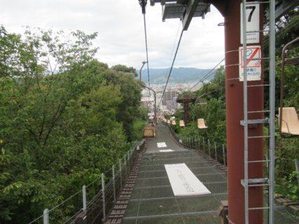 松山城山リフト、下りはこっちでございます。