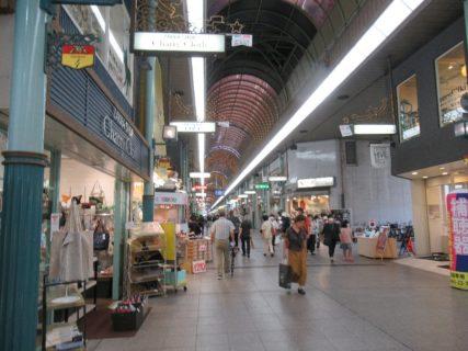 松山市を代表する商店街、銀天街から大街道まで。
