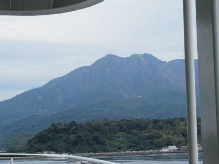 桜島フェリー、桜島に向けて出航です。