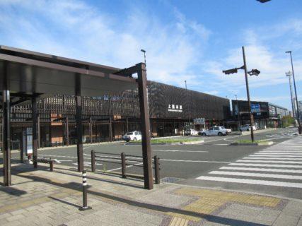 上熊本駅は、熊本市西区上熊本二丁目にある、JR九州・熊本電鉄の駅。