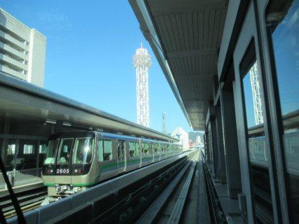 ポートライナーは、自動案内軌条式旅客輸送システム (AGT) 路線。