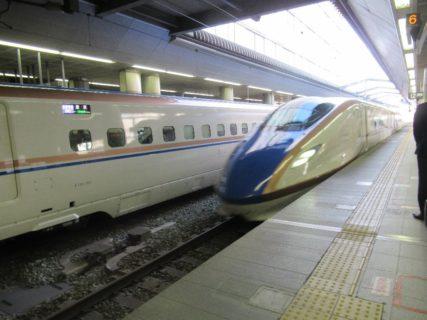 長野駅から北陸新幹線で富山方面に向かいます。