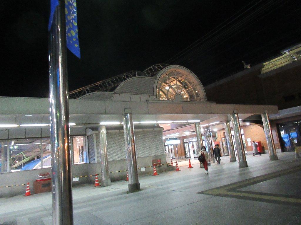 神戸駅まで「かもめりあ」から歩いて移動です。