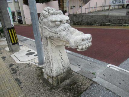 久茂地から松山通りを北上、徒歩散策中です。