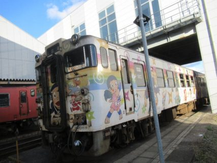 高岡駅の忍者ハットリくん列車。