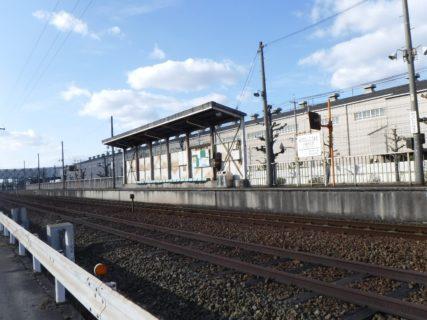 三菱自工前駅は、岡山県倉敷市水島海岸通にある水島臨海鉄道の駅。