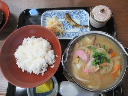 大分の郷土料理、だんご汁定食を食べました。