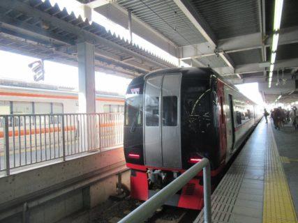 豊橋駅は、愛知県豊橋市花田町字西宿にあるJR東海・JR貨物・名鉄の駅。