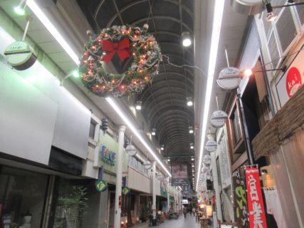豊橋駅前、ときわ通りなるアーケード商店街。