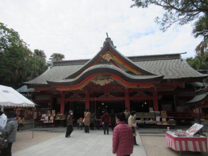 青島神社は、宮崎市青島にある青島のほぼ中央に鎮座する神社。