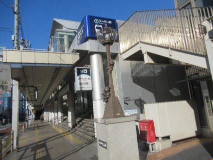 東急大井町線は、大井町駅と溝の口駅とを結ぶ、東急電鉄の路線。