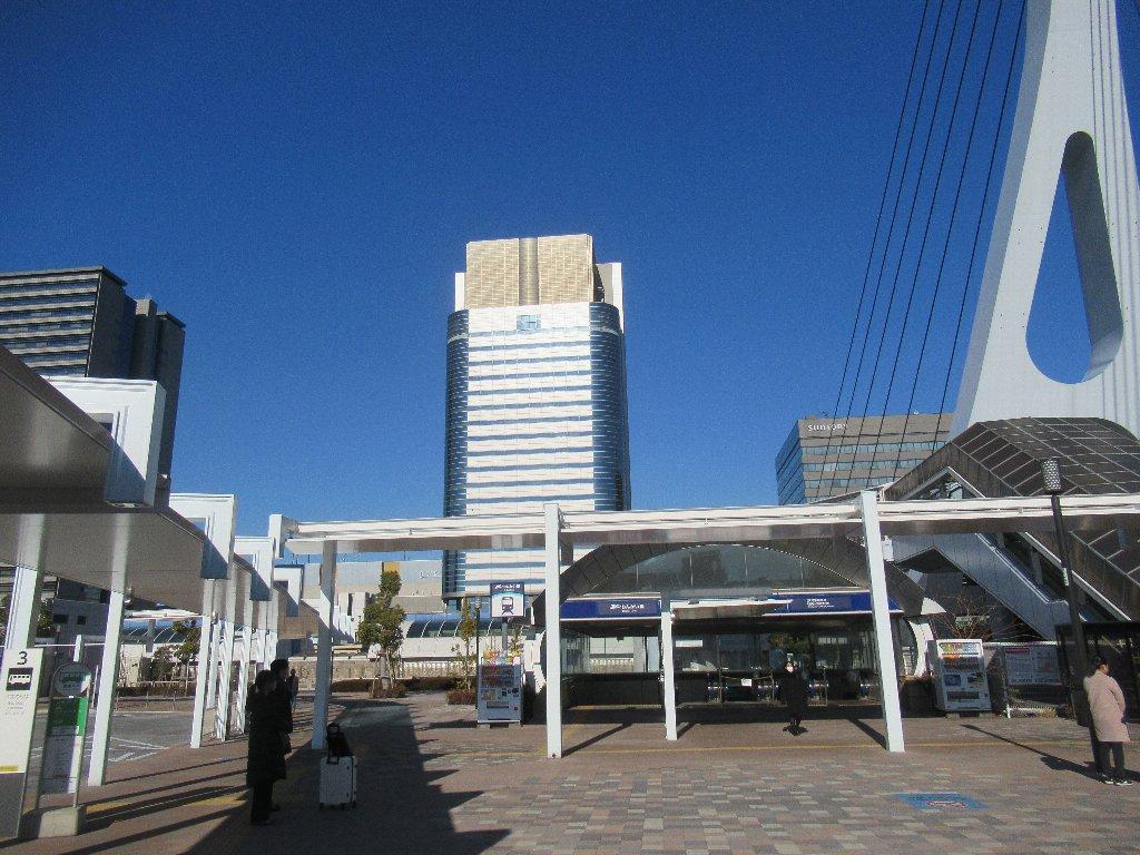 東京テレポート駅は、東京都江東区青海一丁目にある、りんかい線の駅。