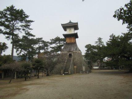 高灯籠は重要有形民俗文化財でございますね。