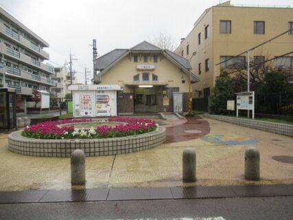 高師浜駅は、大阪府高石市高師浜四丁目にある、南海電鉄の駅。