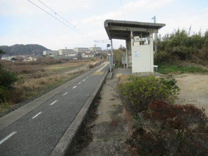 長門本山駅は、山陽小野田市大字小野田字三の奈良原にある、JR西日本の駅。