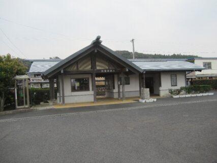 出雲神西駅は、島根県出雲市東神西町にある、JR西日本の駅。