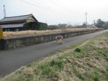 荒茅駅は、島根県出雲市荒茅町にあったJR西日本大社線の駅(廃駅)。