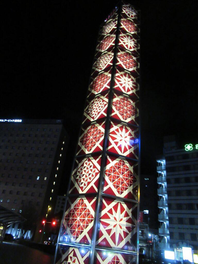 鹿児島中央駅西口の夜景、薩摩切子燈が奇麗っすね。