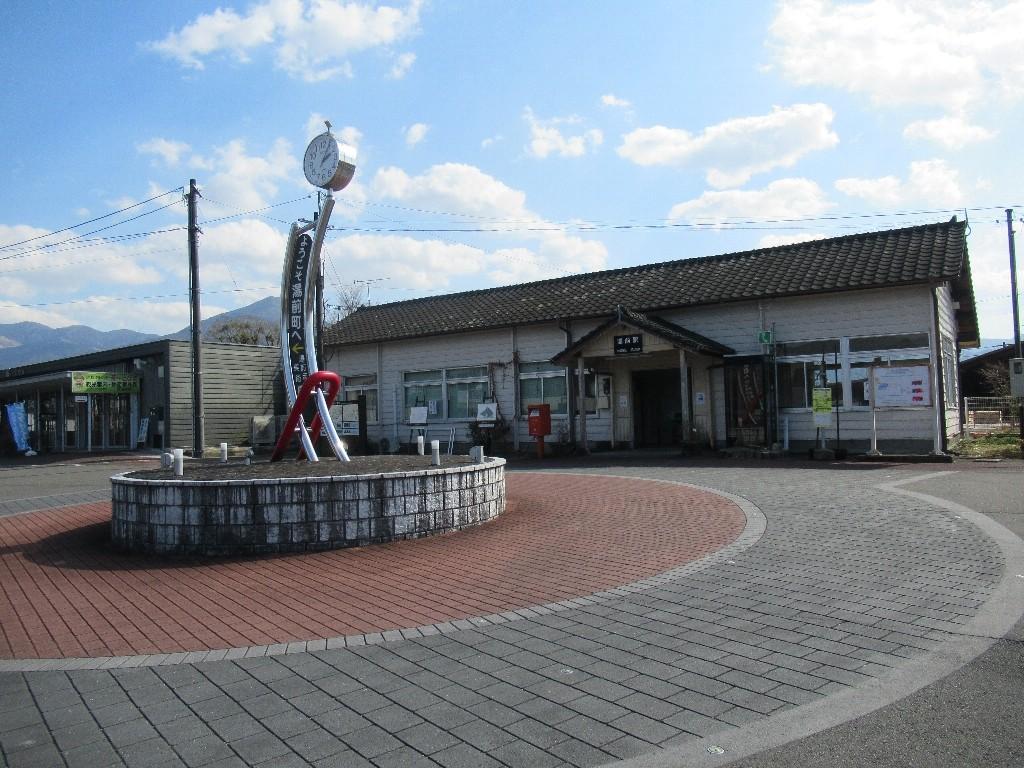 湯前駅は、熊本県球磨郡湯前町にある、くま川鉄道の駅。