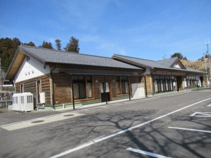 伊勢奥津駅は、三重県津市美杉町奥津にある、JR東海名松線の駅。