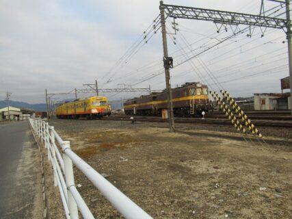 三岐鉄道三岐線の保々駅構内にある車両区でございます。