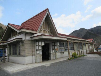 吉ヶ原駅は、岡山県久米郡美咲町にある同和鉱業片上鉄道の駅(廃駅)。