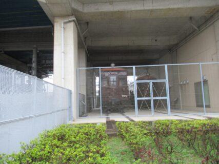 尼崎センタープール前駅は、尼崎市にある、阪神電鉄の駅。