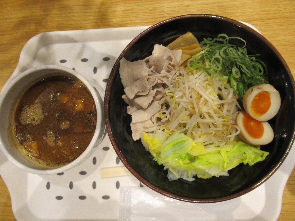 麺家ひぐま商店の、つけ麺でございます。