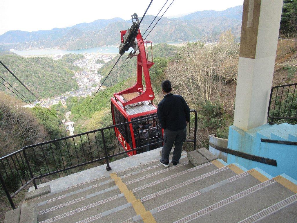 城崎ロープウエイは、城崎観光株式会社が運営する索道。