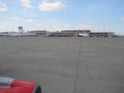 神戸空港からFDAで青森空港に着きました。