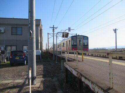 撫牛子駅は、青森県弘前市大字撫牛子にある、JR東日本奥羽本線の駅。