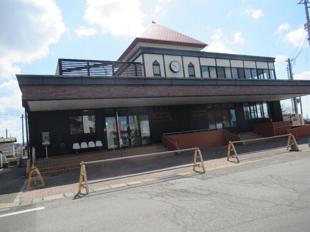 金木駅は、青森県五所川原市金木町にある津軽鉄道の駅。